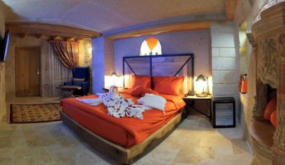 201 Honeymoon Room